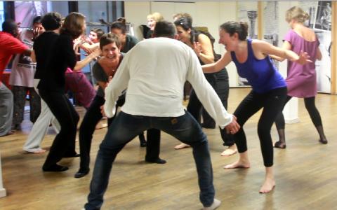 Danse thérapie avec Expression primitive - Danser Lâcher Prise